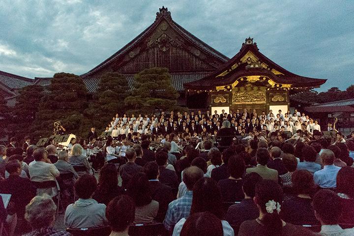 元離宮二条城の二の丸御殿前で行われた特別演奏会 Photo:M.Terashi/TokyoMDE