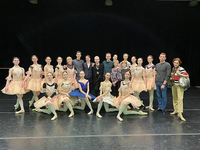 キエフ国立バレエ学校公演にて ウラジーミル・マラーホフ、レオニード・サラファーノフと