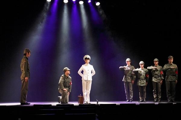 こぐれ塾『広島に原爆を落とす日』東京公演より