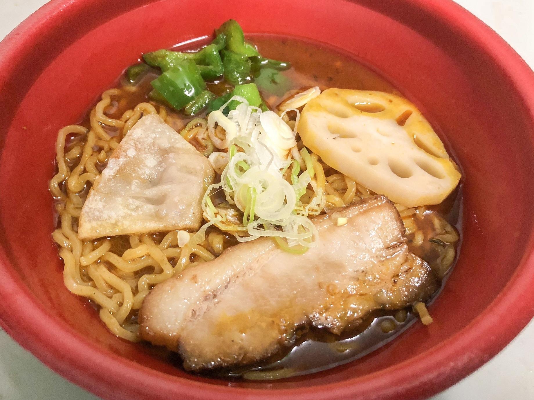 札幌の老舗スープカレー店「ピカンティ」のスープを使用したスープカレー麺
