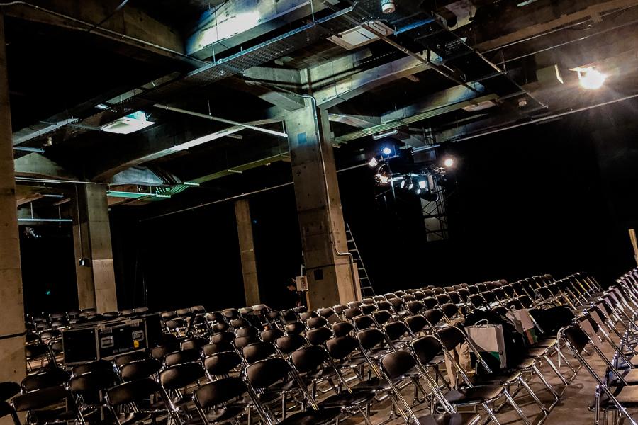 『オフシアター歌舞伎』会場:寺田倉庫G1