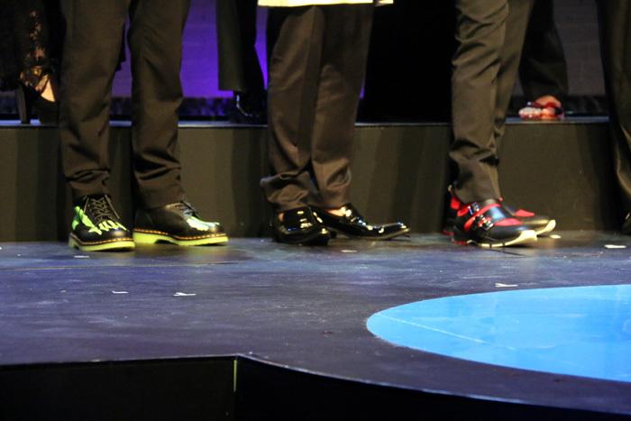 古田新太と小栗旬の靴が印象的!