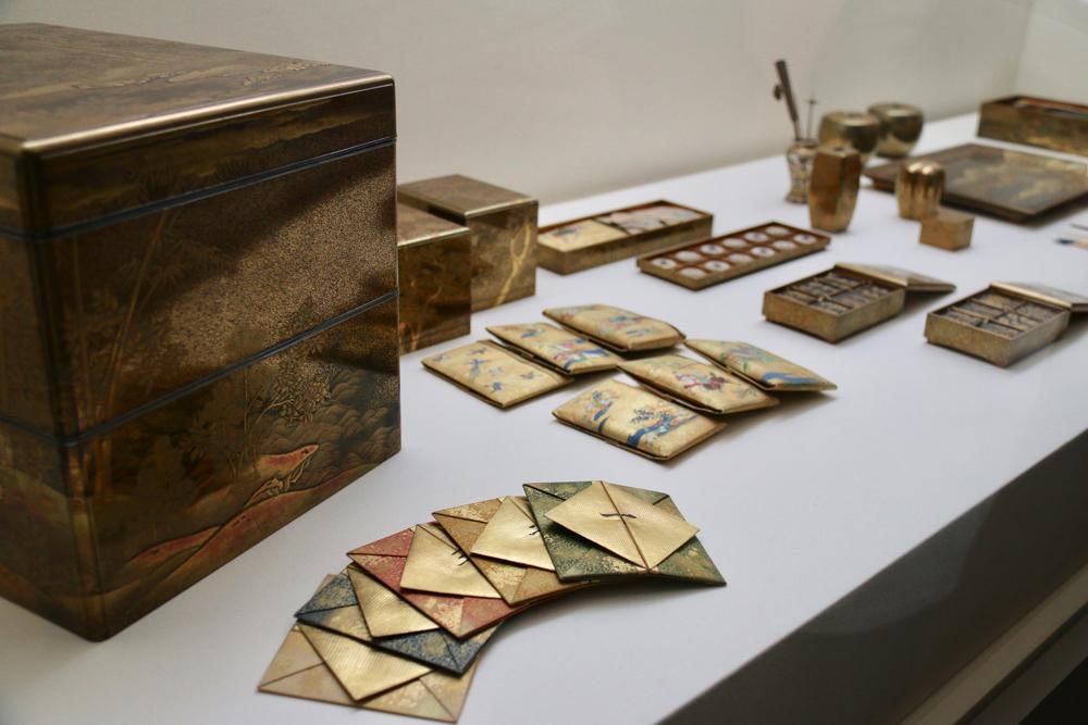 松竹薔薇蒔絵十種香道具  江戸時代・18世紀 宮内庁三の丸尚蔵館 前期展示