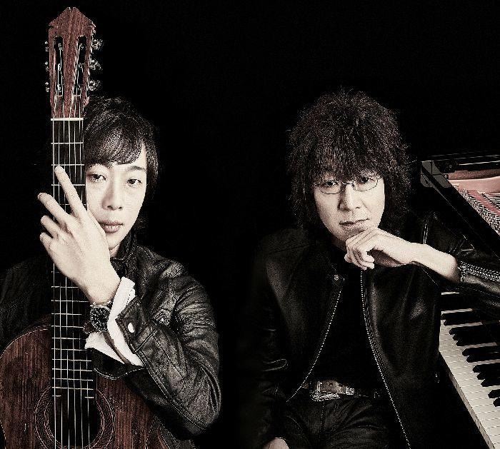 アルバムタイトルの赤(Rosso)は、情熱的なギターの調べ、黒(Nero )はピアノの無限の響きをイメージ。木村(左)の提案に、榊原も「いいねえ!」とお気に入り