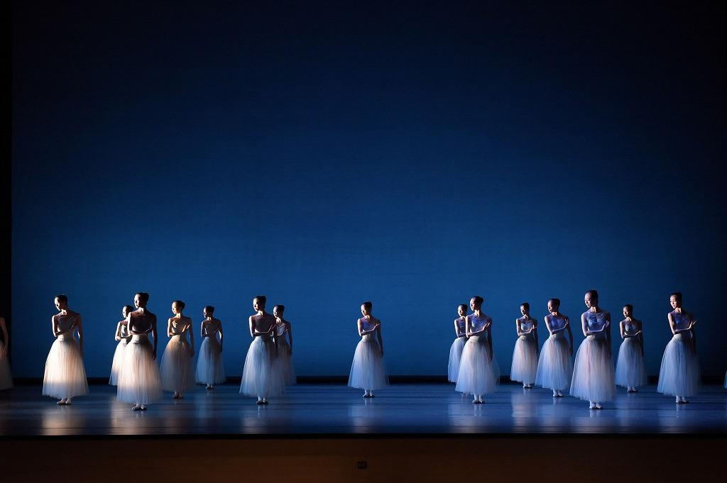 『セレナーデ』 (C)The George Balanchine Trust