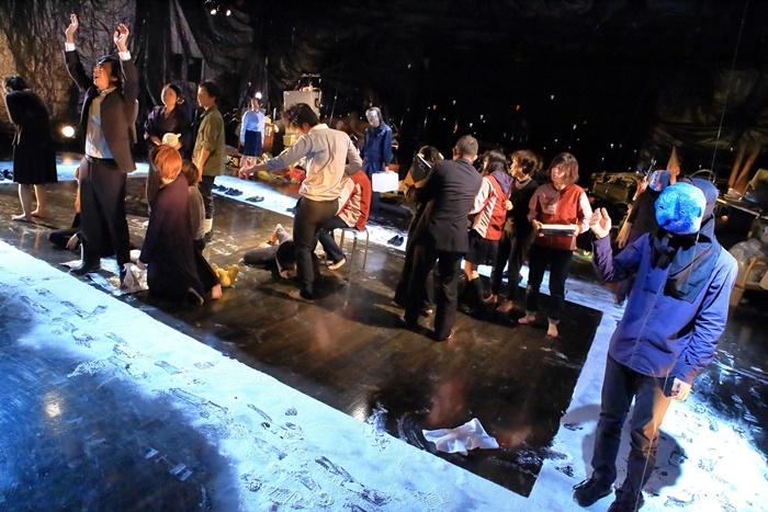 演劇計画II-戯曲創作-『新・内山』(2015年)。[京都芸術センター]の劇作家育成企画として上演された。 [撮影]清水俊洋