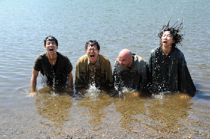 近未来の漂流者たちの群像劇で「今」に警鐘を鳴らす~Super Theater 小池博史ブリッジプロジェクト『2030世界漂流』