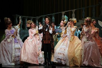 宝塚歌劇のフランス大革命もの上演史に、新たに刻まれた美弥るりかの単独初主演作 ミュージカル『瑠璃色の刻』