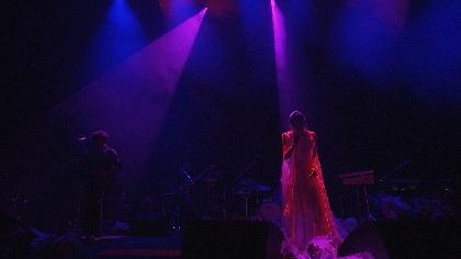 Cocco、3年ぶり全国ツアーの東京国際フォーラム公演から「極悪マーチ」ライブ映像公開
