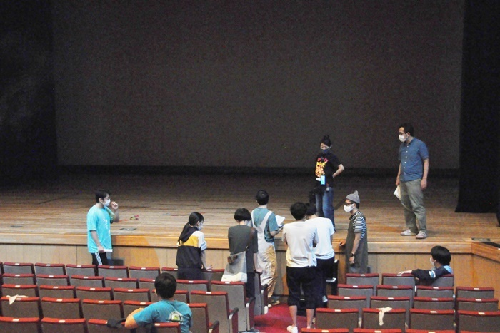 劇場内での稽古風景。