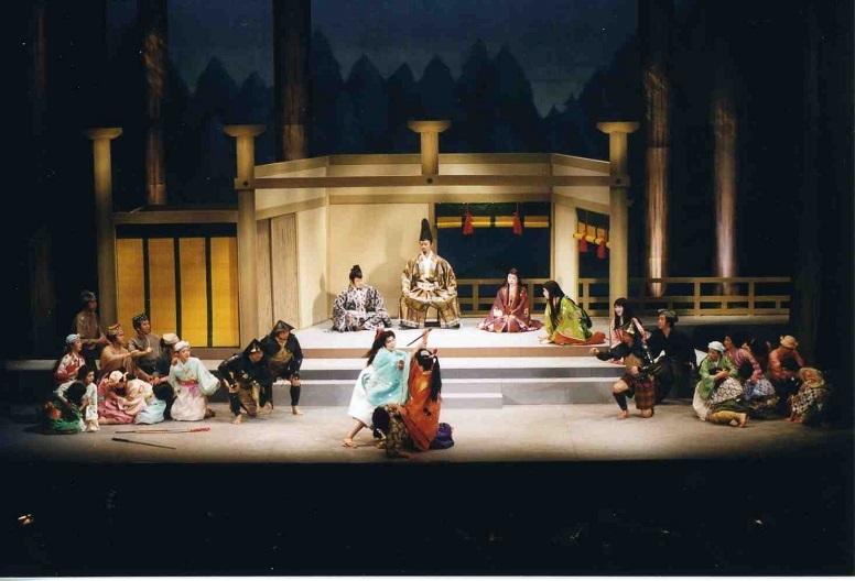 第8回川西市民オペラ「満仲~美女丸の廻心」初演の舞台(2000.3.みつなかホール)   写真提供:みつなかホール