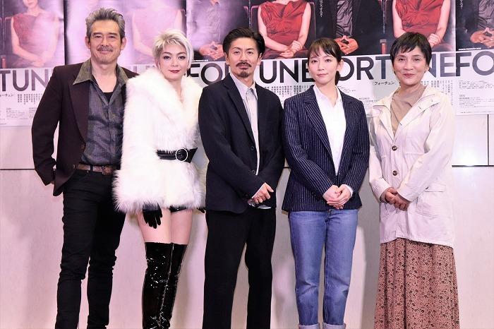 (左から)鶴見辰吾、田畑智子、森田剛、吉岡里帆、根岸季衣