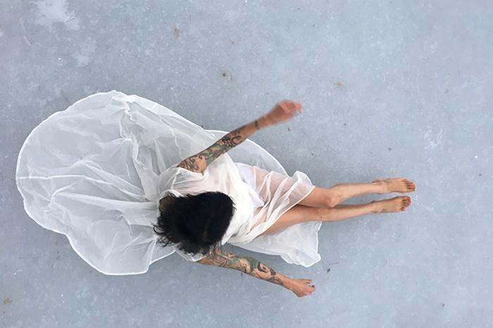 ロベルタ・リマ『水の象(かたち)』 Photo:Tomi Kattilakoski. 2018. Courtesy of Roberta Lima and Charim Galerie.