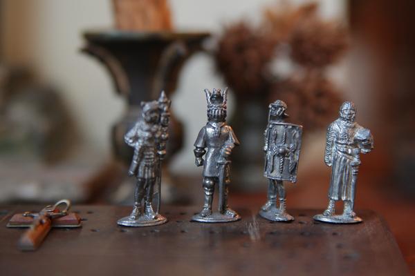 リードフィギュア。錫製の小さな戦士たち