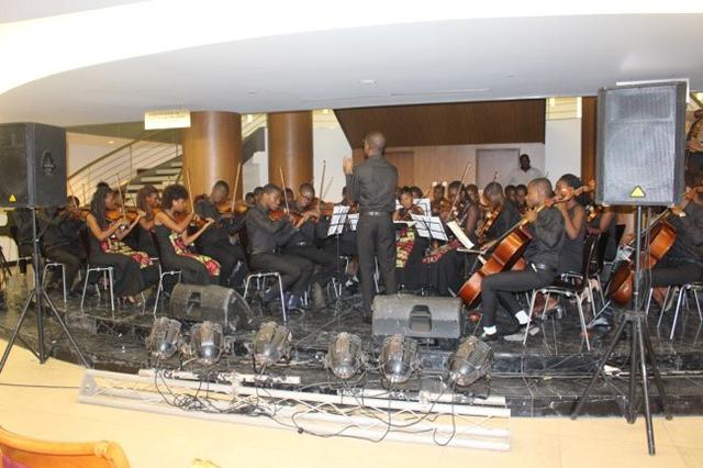 カポソカ音楽学院オーケストラ