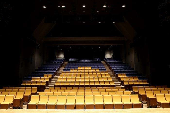 本多劇場客席前