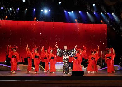 松平健 新曲「マツケン・アスレチカ」を舞台で披露、記念グッズ「マツケン・ソフビ人形」を受注限定発売