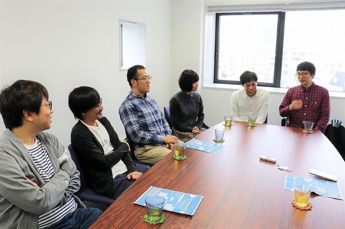 (右奥から)酒井善史、石田剛太、藤谷理子、上田誠、中川晴樹、諏訪雅