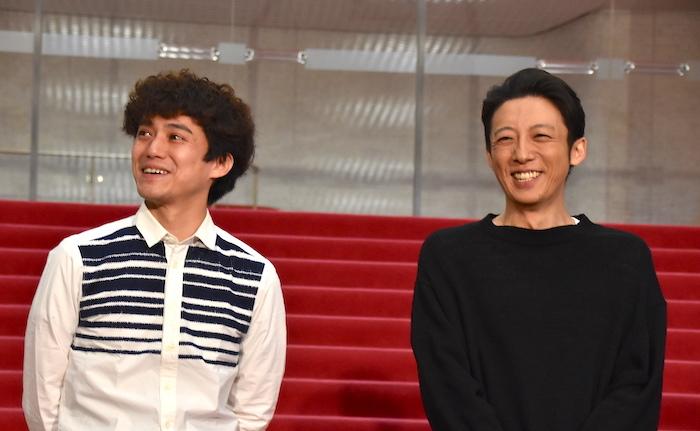 藤田俊太郎、高橋一生(左から)