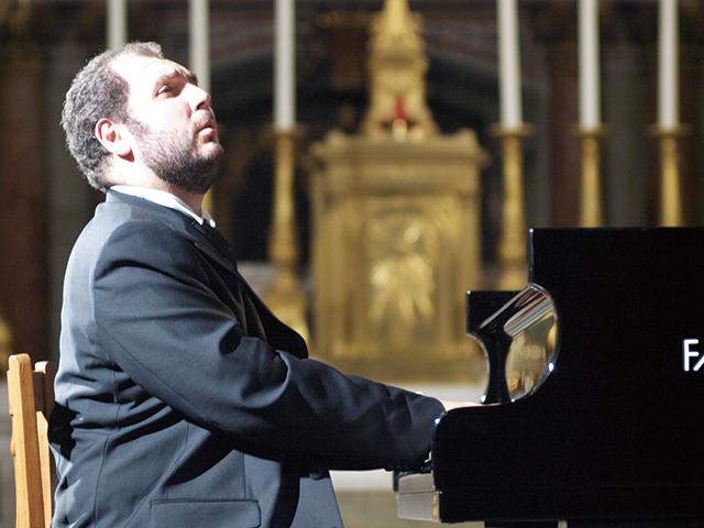 ヴァハン・マルディロシアン(ピアノ)©Jean Marie Juan