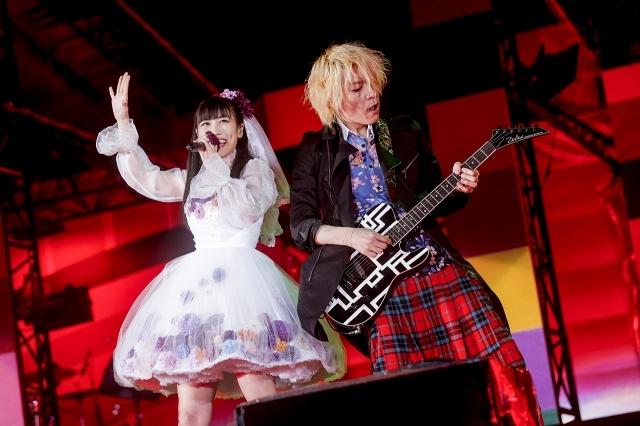 『ももクロ春の一大事2017 in 富士見市〜笑顔のチカラつなげるオモイ〜』高城れに&TAKUYA Photo by HAJIME KAMIIISAKA+Z