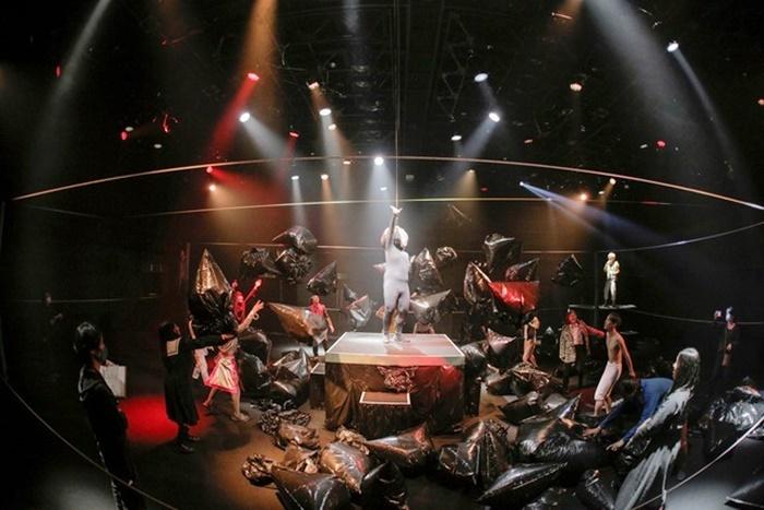 劇団壱劇屋『空間スペース3D』。大熊隆太郎の3年ぶりの新作本公演。 [撮影]河西沙織(劇団壱劇屋)