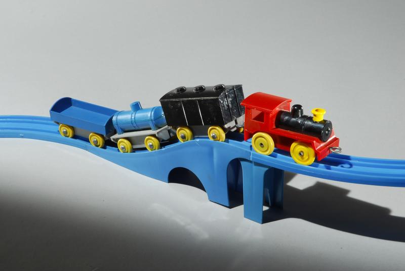 プラレールの原型「プラスチック汽車・レールセット」(1959年)