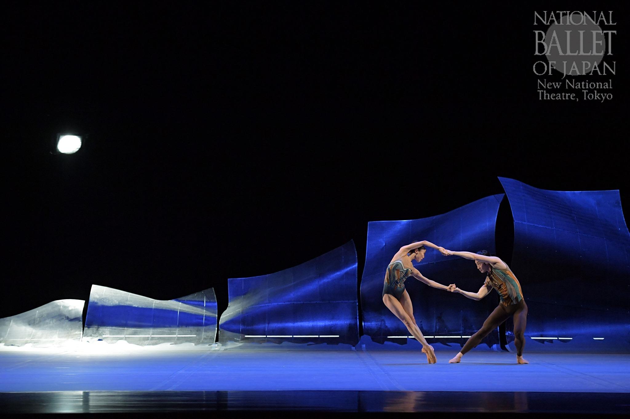 『DGV Danse à Grande Vitesse ©』米沢唯、渡邊峻郁(撮影:鹿摩隆司/写真提供:新国立劇場)