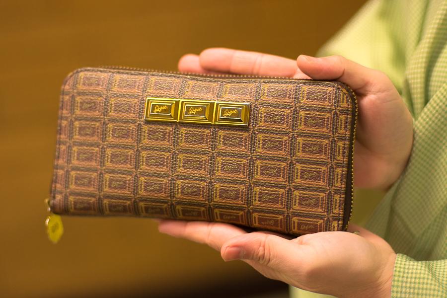 お財布が板チョコ!可愛いものの話をするときは、女子でした。