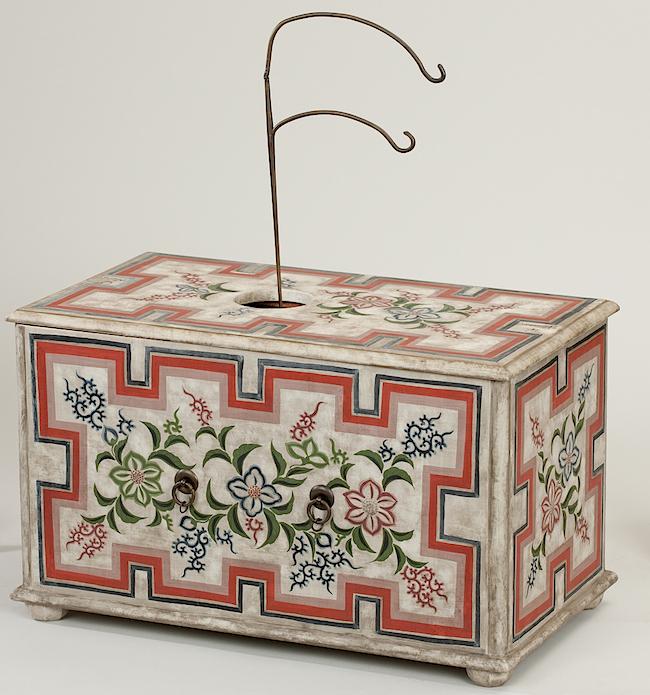 重要文化材 平賀源内自製《エレキテル》郵政博物館  6年の歳月をかけ、1776年〜79年の間に平賀源内が作ったとされる摩擦起電機