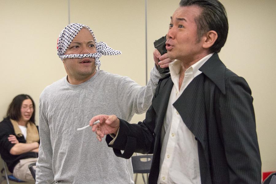 (左から)渡久山孝洋、江本和広