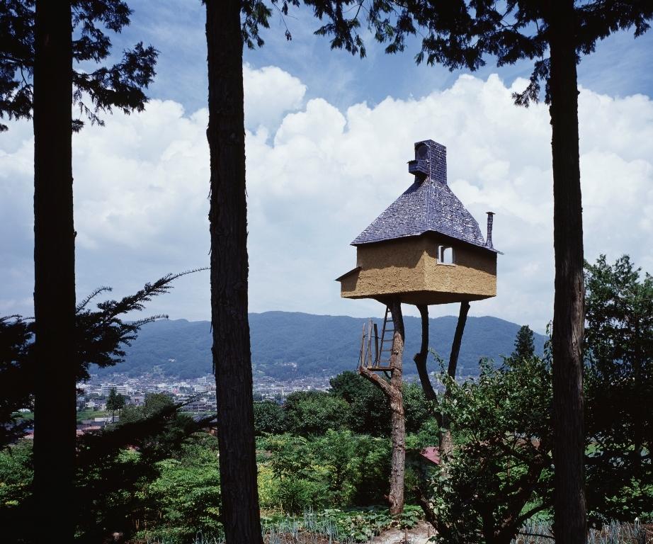 藤森照信《高過庵》(撮影:増田彰久)2004年竣工