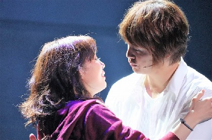 浦井健治が咲妃みゆ&秋元才加と愛を紡ぐ! ミュージカル『ゴースト』ついに開幕