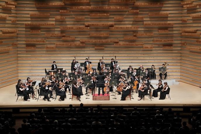 本拠地 豊中市立文化芸術センターで演奏する日本センチュリー交響楽団 (C)s.yamamoto