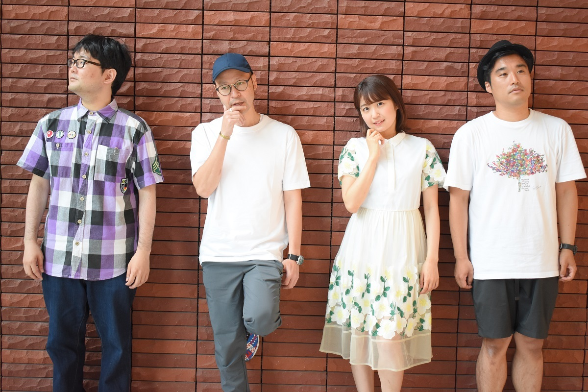(左から)伊達さん、飯野智司、惣田紗莉渚(SKE48)、加賀成一