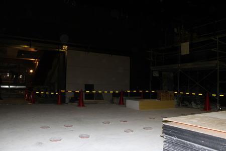 建設中の劇場「浅草九劇」(11月末現在)