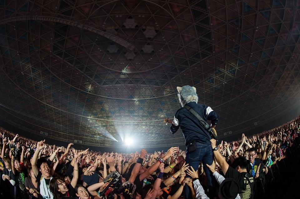 MAN WITH A MISSION photo by Nobuyuki Kobayashi、Daisuke Sakai(FYD inc.)