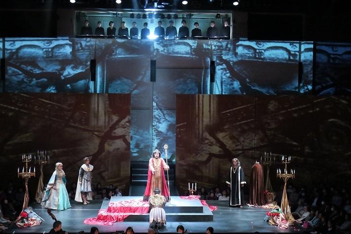 アリーナ形式による上演、第98回定期公演「皇帝ティートの慈悲」(2018.11.26) (C)早川壽雄
