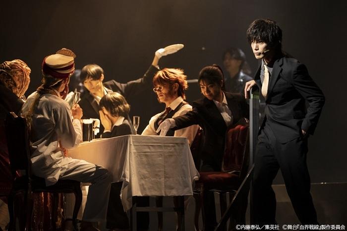(C)内藤泰弘/集英社 (C) 舞台 『血界戦線』 製作委員会