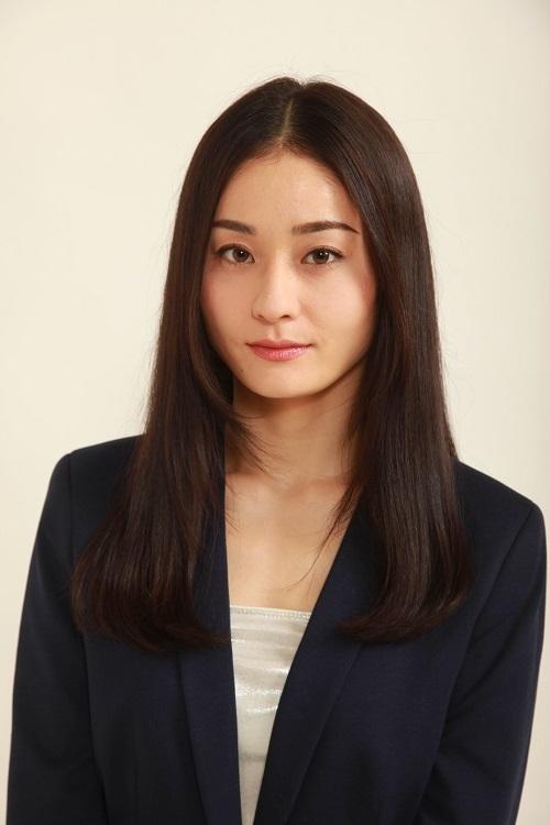 エリザベス役の吉川麻美