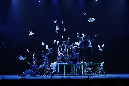 11人のサンタクロースが大人の色気とダンスで魅せる!THE CONVOY SHOW『ONE!』開幕