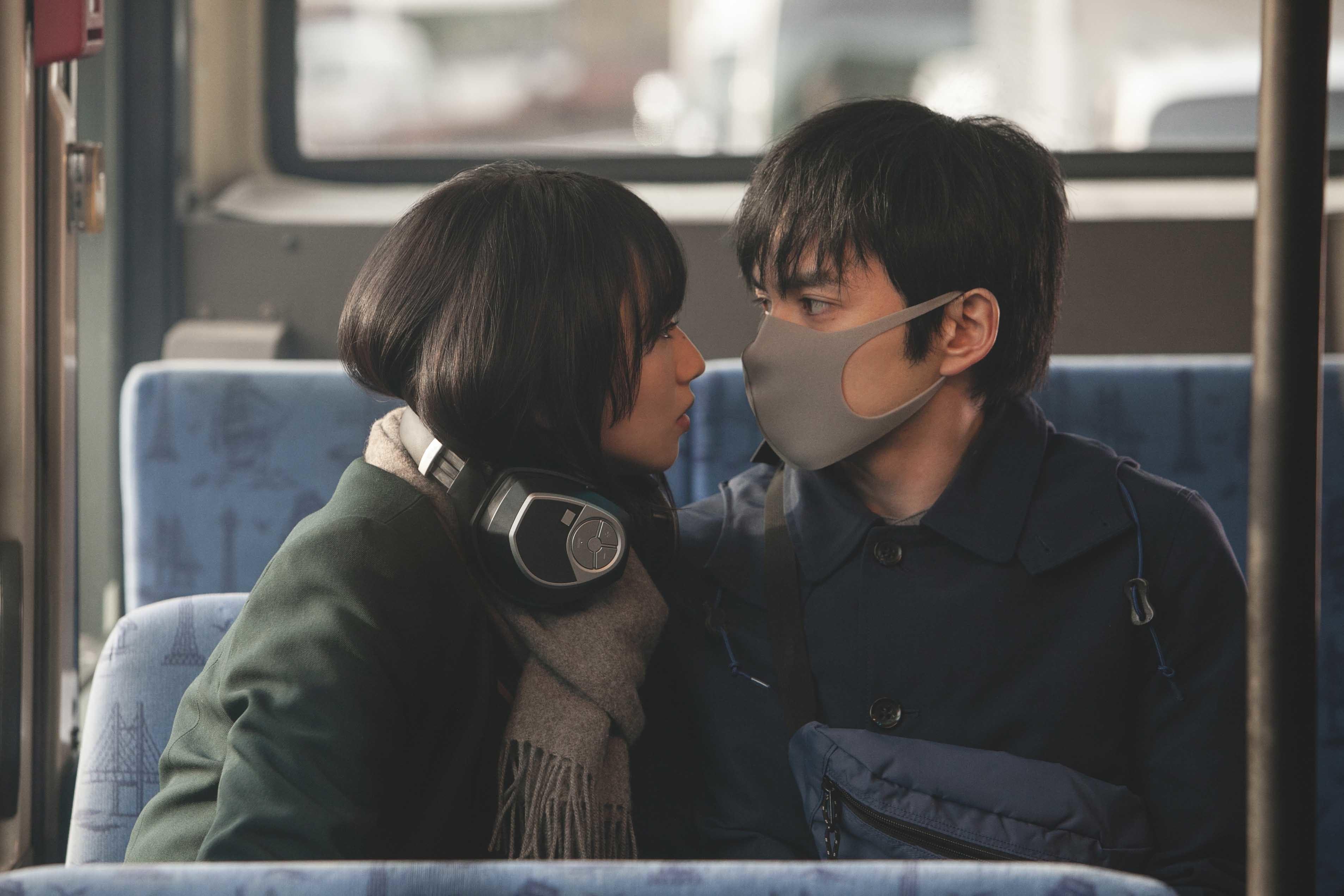 (C)2021「恋する寄生虫」製作委員会