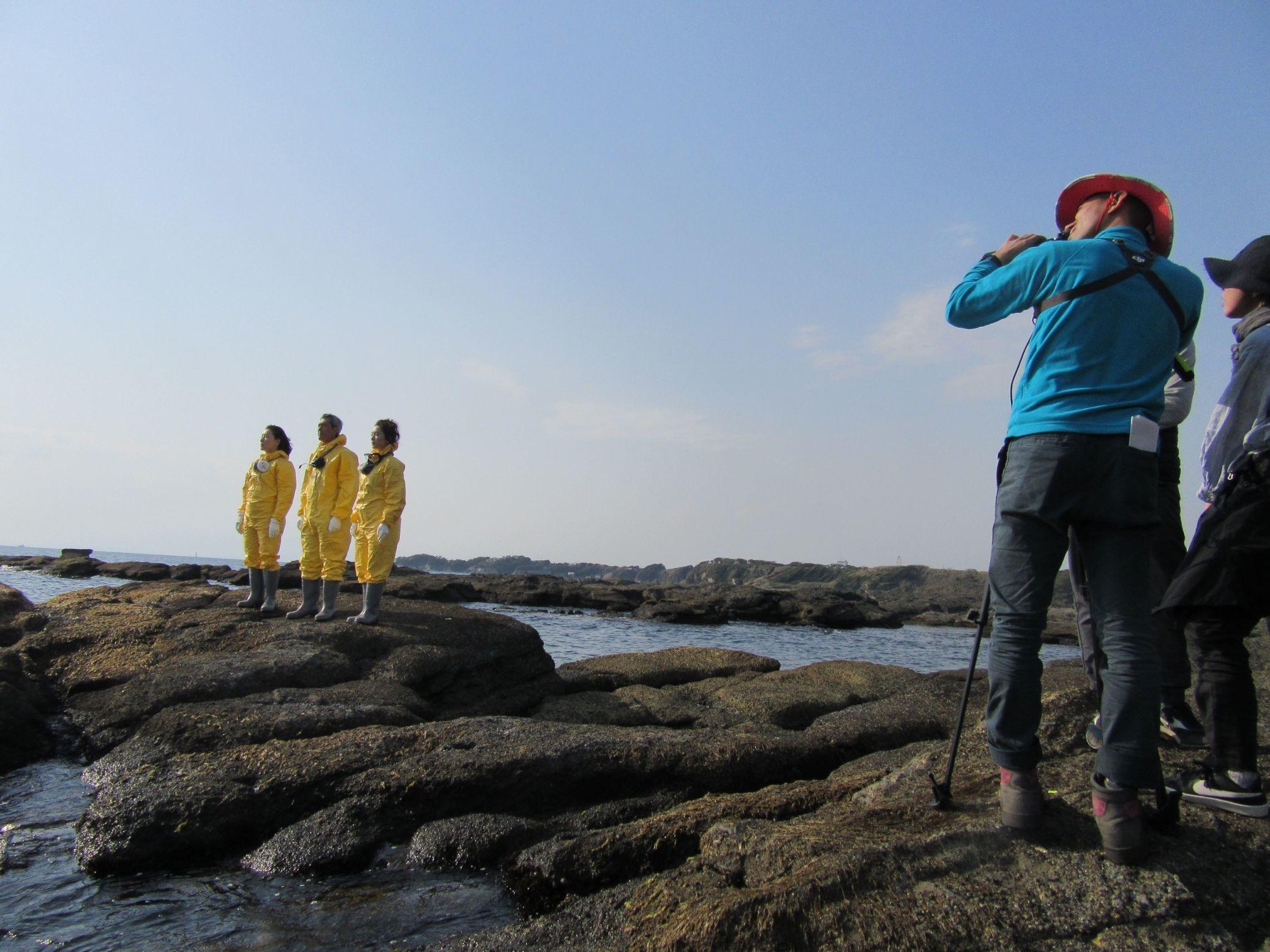 海辺での撮影の様子