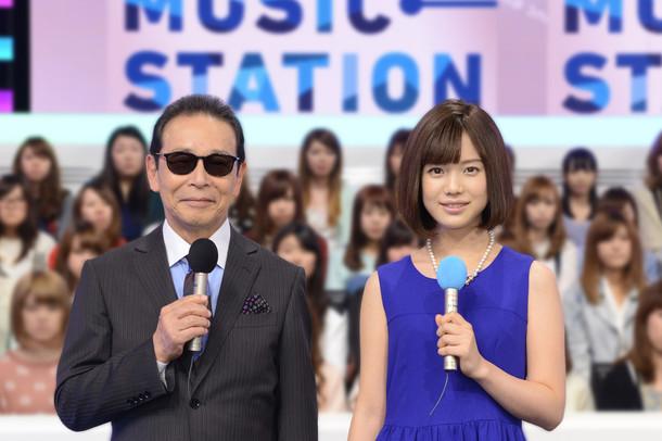 左から「ミュージックステーション」司会のタモリ、弘中綾香アナウンサー。 (c)テレビ朝日