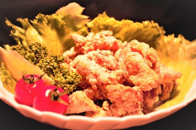 第5回・9回「東日本味バラエティー部門」最高金賞などを受賞したここみ亭(宮城県仙台市)。味噌ベースのタレに漬け込まれており、冷めても柔らかくて美味しい