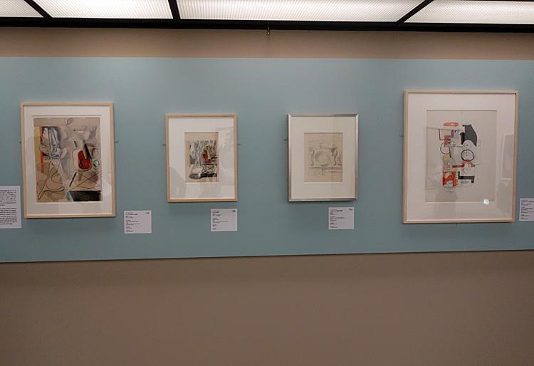 左より:ル・コルビュジエ《《レア》の主題による習作》1932年/《《レア》の習作》1930年/《《灯台のそばの昼食》の習作》1928年 大成建設株式会社/《《(朱色の)グラスと瓶》の習作》1928年※記載なきものはル・コルビュジエ財団