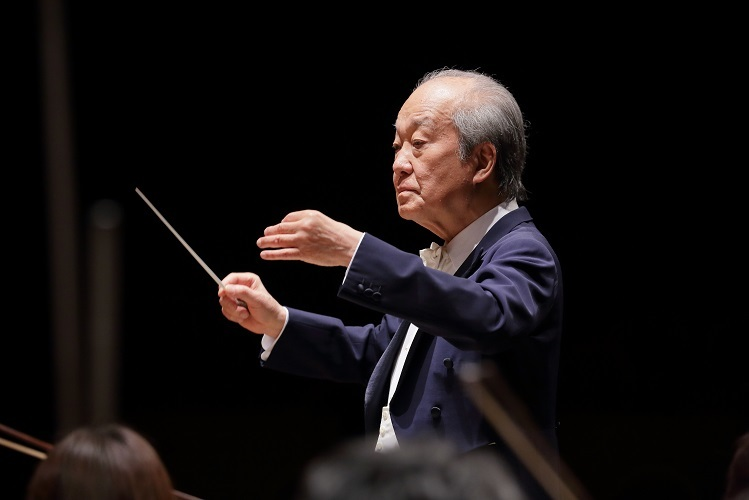 大阪交響楽団名誉指揮者 外山雄三     (C)飯島隆
