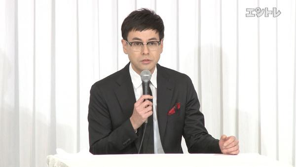 舞台「美幸」制作発表で話す鈴木浩介