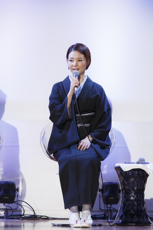 舞台『黒蜥蜴』ひな 役:朝海ひかる