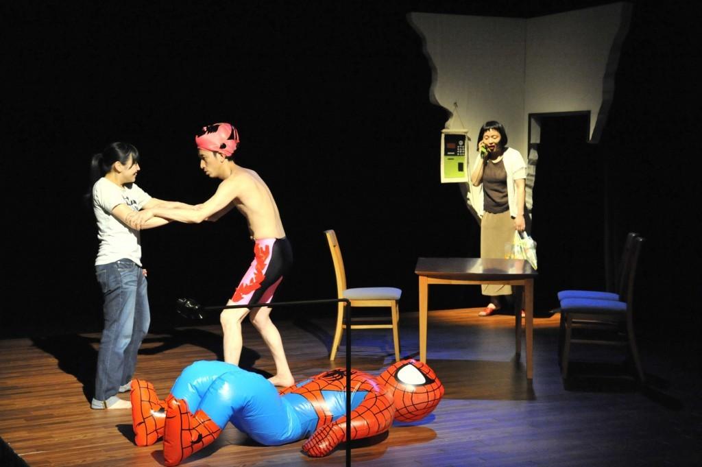 ハイバイ『ヒッキー・カンクーントルネード』(2010年公演©︎曵野若菜)